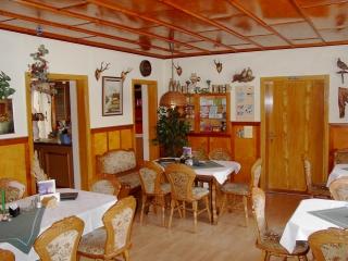 Pension und Gasthaus AmWachtelberg - Gaststube
