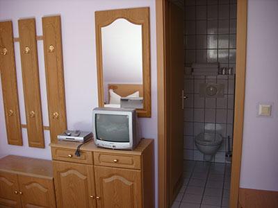 Pension Am Wachtelberg Zimmer mit TV, Bad und WC